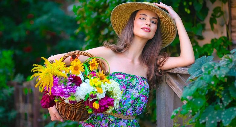 """""""Kadınlar Çiçek Açıyor"""" IWAB 1.Uluslararası Antalya Turizm Festivali, coşkuyla gerçekleşti!"""