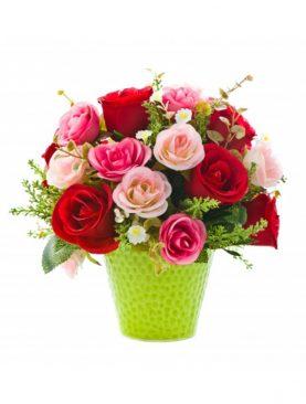 vazo içinde renkli güller